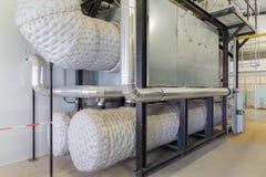 Kraftwerk mit kombinierter Produktion der Hitze und der Energie Stockfotografie