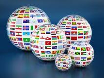 Kraj flaga wokoło kul ziemskich na błękitnym tle ilustracja 3 d ilustracji