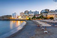 Krajobraz Agios Nikolaos plaża, Grecka wyspa Crete Ja jest popularnym plażą wewnątrz Zdjęcia Royalty Free