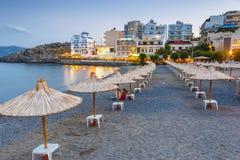 Krajobraz Agios Nikolaos plaża, Grecka wyspa Crete Ja jest popularnym plażą wewnątrz Zdjęcie Royalty Free