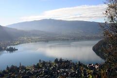 Krajobraz Annecy jezioro w Francja Obrazy Royalty Free