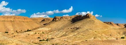 Krajobraz blisko Doiret wioski w Południowym Tunezja Fotografia Stock