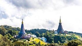 Krajobraz dwa pagoda, miejsce czasu wolnego podróż w Inthanon mou Zdjęcie Royalty Free