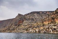 Krajobraz Halfeti w pierwszoplanowym rzeka eufrat Zapadniętym meczecie i Sanliurfa, Gaziantep w Turcja zdjęcia stock