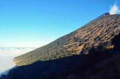 Krajobraz Halny szczyt Rinjani Zdjęcie Stock