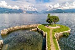 Krajobraz Jeziorny Maggiore, widok od Cerro Laveno plaża, Włochy Fotografia Royalty Free