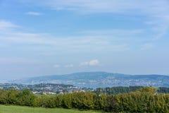 Krajobraz jeziorny Zurich w lecie od wycieczkować śladu Switzerland turystyki podróży miejsca przeznaczenia natury niebieskie nie Fotografia Royalty Free