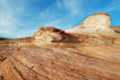 Krajobraz kołysanie się skały w Jeziornym Powell Zdjęcie Stock
