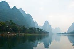 Krajobraz Li rzeka w zimie, Guilin, Chiny Obrazy Royalty Free