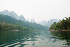 Krajobraz Li rzeka w zimie, Guilin, Chiny Zdjęcia Stock