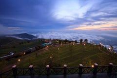 Krajobraz, Mglisty ranku wschód słońca w Phutabberk Phetchabun, Thaila Fotografia Royalty Free
