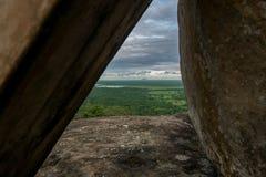 Krajobraz między skałami Zdjęcia Stock