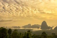Krajobraz Phang nga zatoka w wschodu słońca ranku Obraz Stock