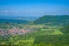 Krajobraz przy Neuffen, Szwabska alba, Niemcy fotografia royalty free