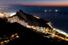 Krajobraz Rio De Janeiro przy nocą zdjęcia stock