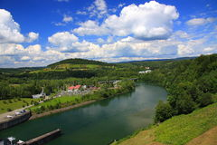 Krajobraz Rzeczny San przed tamą w Solina Bieszczady, Polska zdjęcie stock