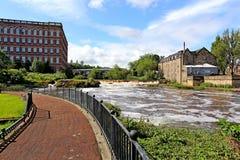 krajobraz starzy coates mleje z białą furą rzeczny Paisley Renfrewshire obraz stock