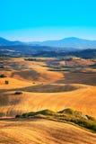 Krajobraz Tuscany blisko Volterra, Włochy. Obrazy Royalty Free