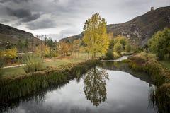 Krajobraz Ucero rzeka w jesieni, Burgo de Osma, Soria Obraz Stock