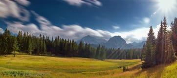 Krajobraz w świetle słonecznym Fotografia Royalty Free