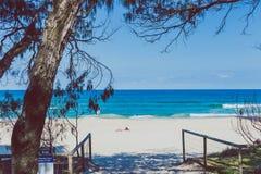 Krajobraz w surfingowa raju na złocie i plaża Suniemy obraz royalty free