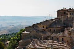 Krajobraz w Tuscany, średniowieczna wioska Zdjęcia Royalty Free