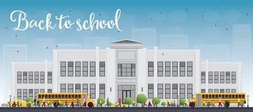 Krajobraz z autobusem szkolnym, budynkiem szkoły i ludźmi, Fotografia Stock