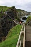 Carrick-a-rede linowy most, Antrim wybrzeże, północny - Ireland Zdjęcia Stock