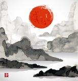 Krajobraz z górami, czerwonym słońcem i morzem, Obrazy Stock