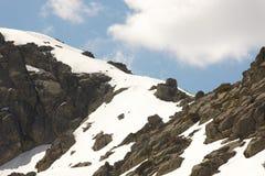 Krajobraz z górami i śniegiem zachmurzone niebo Obraz Stock
