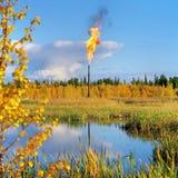 Krajobraz z nafcianą pochodnią zdjęcie royalty free