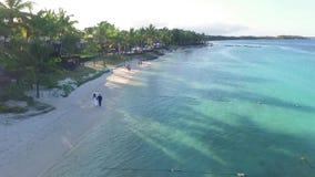 Krajobraz z oceanem indyjskim i nadmorski w belle klaczu, Mauritius Plażowy piasek i linia brzegowa zbiory
