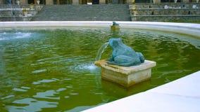 Krajobraz z piękną fontanną w Warszawa, Polska - wizerunek fotografia stock