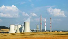 Krajobraz z przemysłowym budynkiem elektrownia Zdjęcia Royalty Free