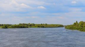 Krajobraz z rzeką Obrazy Royalty Free