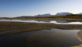 Krajobraz z Tornetrask jeziorem i kształtującym dolinnym Lapporten, Nie fotografia stock