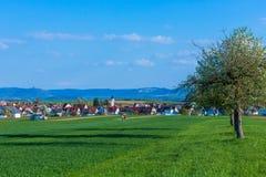 Krajobraz z wioską i widokiem Fotografia Royalty Free