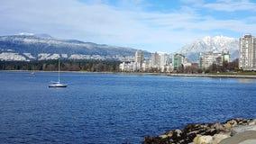 Krajobrazowa Denna budynek gór zima Vancouver zdjęcia stock