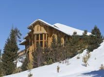 Krajobrazowa domowa kabinowa halna zima Obraz Stock