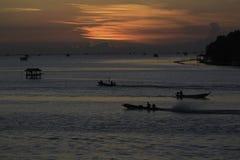 Krajobrazowa fotografia wioska rybacka w wschodzie słońca Fotografia Stock