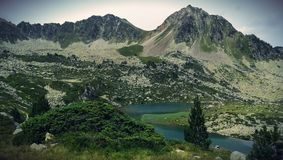 Krajobrazowa góra i jezioro obraz stock