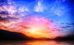 Krajobrazowa góra z niebem i chmurą Obraz Royalty Free