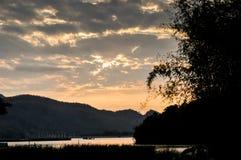 Krajobrazowa góra z stawem Obrazy Royalty Free