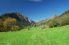 krajobrazowa górska wioska zdjęcie royalty free
