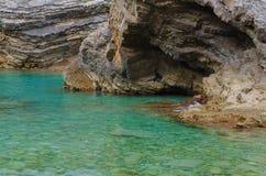 Krajobrazowa plaża, skały, jasny Obrazy Royalty Free