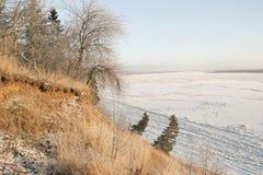 krajobrazowa rosyjska wioski zima Zbocze Zdjęcie Royalty Free