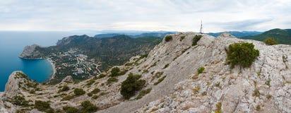 krajobrazowe linii brzegowych skały Zdjęcia Royalty Free