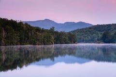 Krajobrazowej Juliańskiej Ceny Jeziorna Błękitny Grań Pkwy NC Obraz Royalty Free