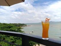 Krajobrazowy denny oceanu nieba zmierzch z yatch klubu luksusem Tajlandia Fotografia Stock