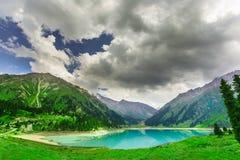 Krajobrazowy halny jeziorny Środkowy Azja Fotografia Royalty Free
